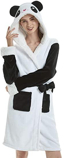Bata con capucha de oso panda